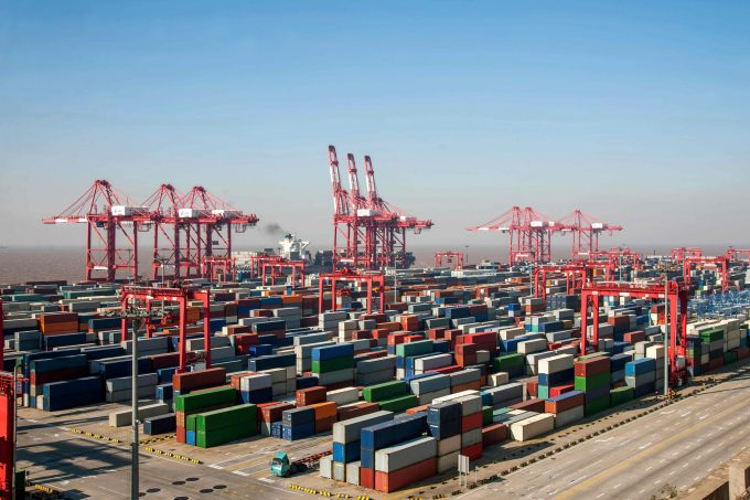 China container shipping port
